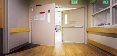 درب بیمارستان ضد آتش